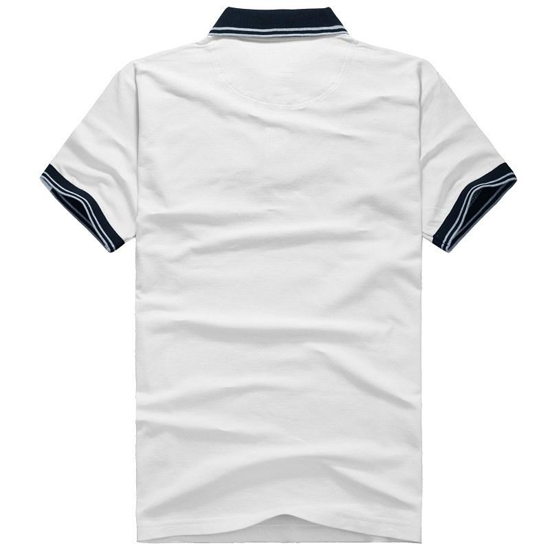 翻领T恤衫背面