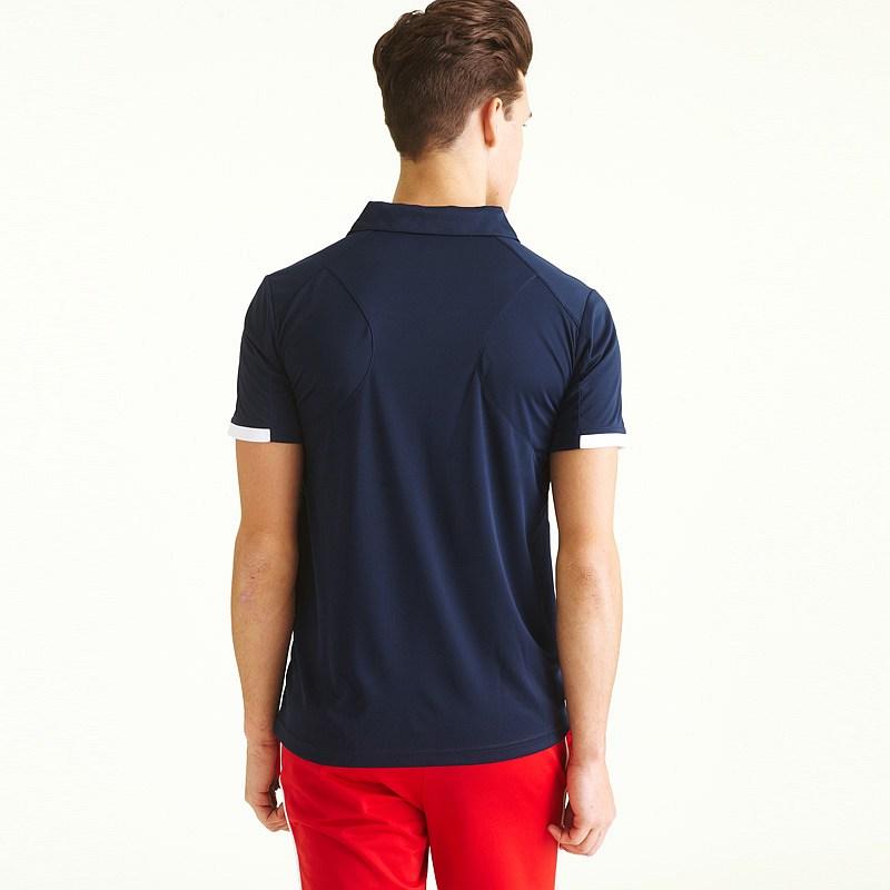 时尚运动T恤衫